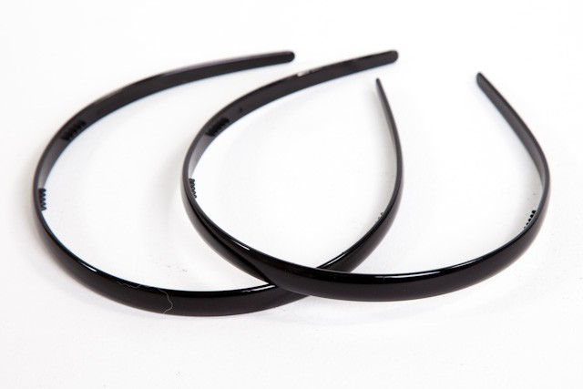 #7239B - HEADBAND NARROW PLASTIC (2)- 12 headbands (1 dozen) in a packet