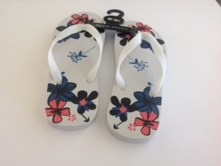 FLOWER- WHITE - sizes - small (US 7-9) medium (US 9-11) large (US - 11-13) - Per Pair
